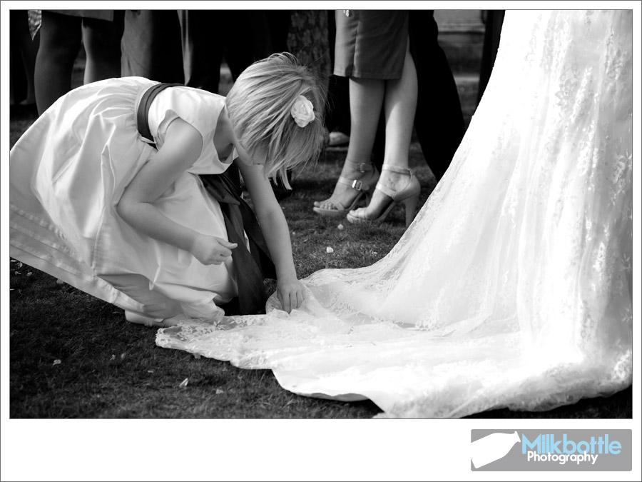 confetti-in-the-wedding-dre