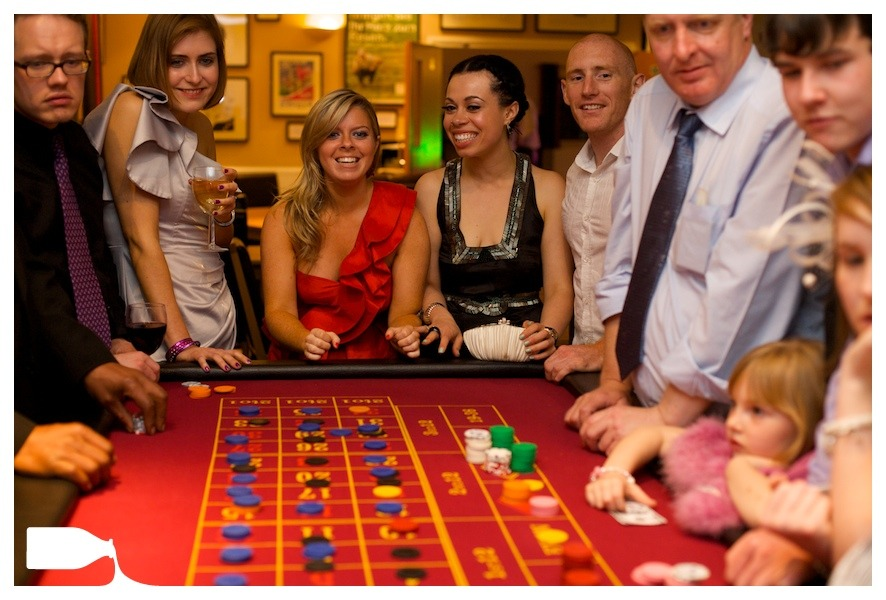 wedding photography Bedfordshire, party casino for wedding party