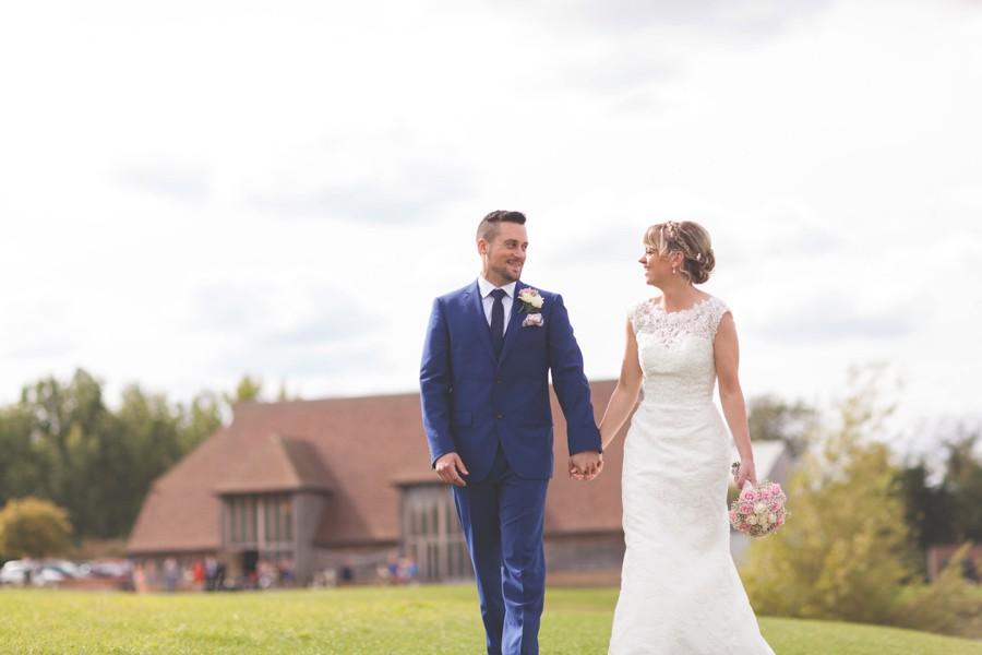 wilobe barn wedding