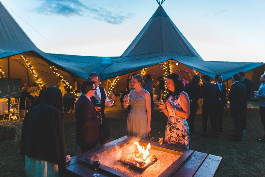 wedding photographers hertfordshire teepee